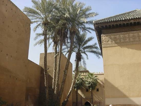 eglise-lieu-architecture-tombeaux-marrakech-.jpg*550*412