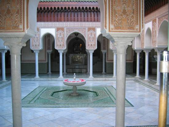fontaine-architecture-royaume-interieur-maroc-.jpg*550*414