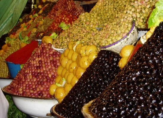 marche-olives-souk-meknes-maroc-