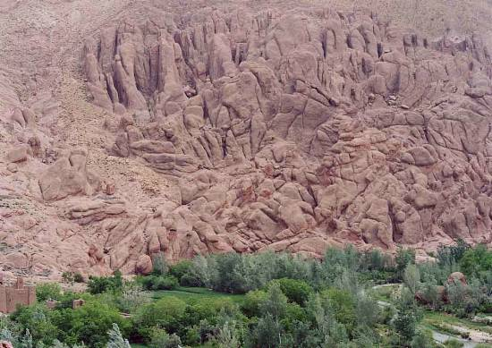 insolite-dades-vallee-gorges-ouarzazate-.jpg*550*389